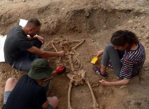 """Sinop'ta arkeologları şaşırtan iskelet! """"İlk kez böyle bir yatışa rastladık"""""""