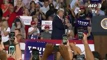 Trump celebra fin de moción de destitución y sigue su campaña aferrado a la controversia
