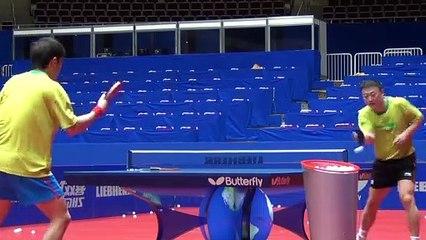 卓球  Ma Lin practising multiball at the World Championships in Dortmund