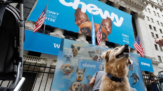 Chewy Falls in Line With Expectations in First Earnings Report Since Public Debut