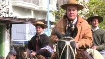 Uruguay, la parata dei gauchos nel giorno della Costituzione