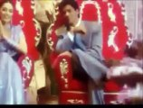 "Taaron ka chamakta... — Hum tumhare hai sanam   From: ,,KHAN HITS VOL. 2 — 52 SUPERHIT BOLLYWOOD SONGS""   Movie/Magic/Indian"