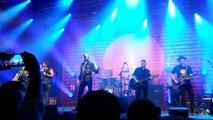 Midnight Oil, Rob Hirst parle en français du drapeau aborigène d'Australie