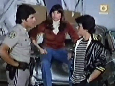 CHiPs S05E14 - Tiger in the Streets