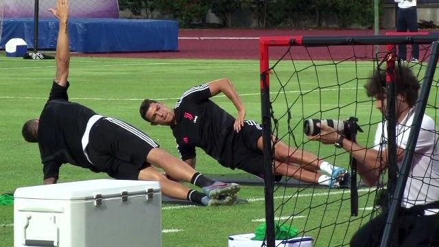 (Subtitled) Sarri squashes Ronaldo and Higuain rumours