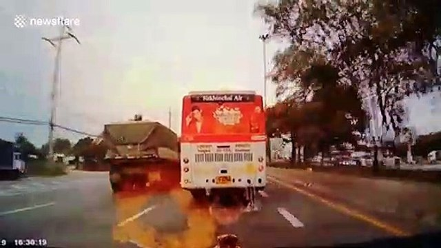 Motorcyclist has a nasty surprise after attempting a dangerous move