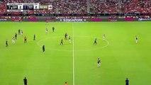 Dans les arrêts de jeu, Harry Kane marque du milieu de terrain face à la Juventus !