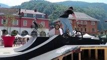 Cluses : backflip et 360, les mordus de BMX font le show