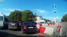 Respect de la priorité en Russie : ils règlent ça aux poings sur la route !
