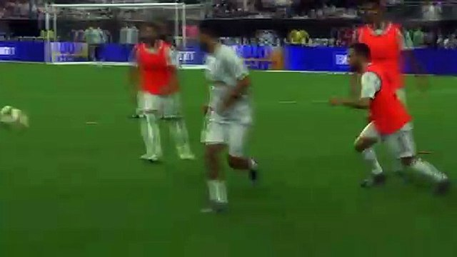 Hazard backheel skill in warm-up before walking out as Real player for first time