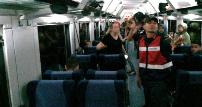 Yanında getirdiği evcil hayvan için kavga eden kadın, trene 2 saat rötar yaptırdı