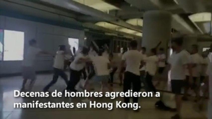 Violentas agresiones contra manifestantes en el metro de Hong Kong