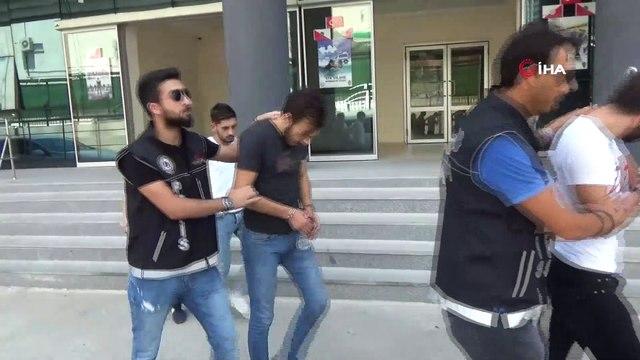 Gazoz şişelerini uyuşturucuyla doldurup polisi şaşırtmaya çalıştılar