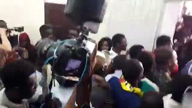 Jets de pierres, pagaille : Sadio Mané bloqué au Coud