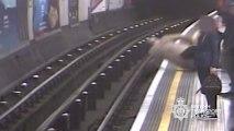 Prison à vie pour l'homme qui a poussé deux personnes sur les rails du métro