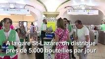 La RATP distribue des bouteilles d'eau aux usagers