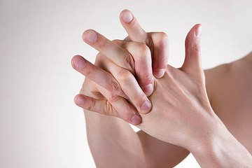 What Causes Our Knuckles to Crack?