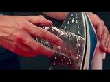 Eine PET-Flasche an ein Bügeleisen halten - eine fantastische Upcycling-Idee!