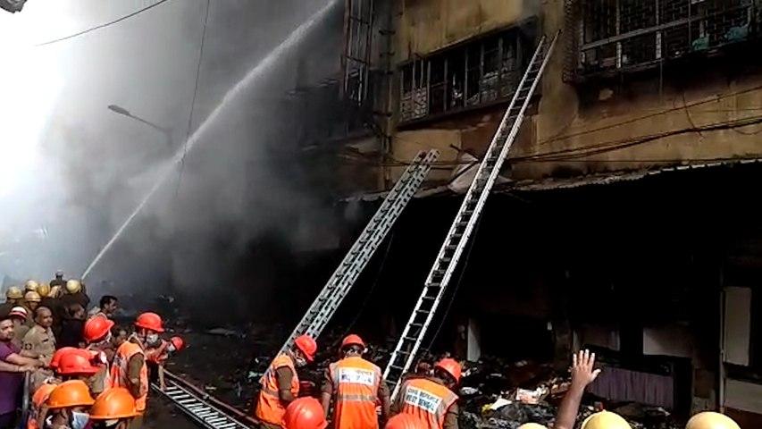 Poor firefighting mechanism makes dousing fire at Kolkata's Bagree market difficult