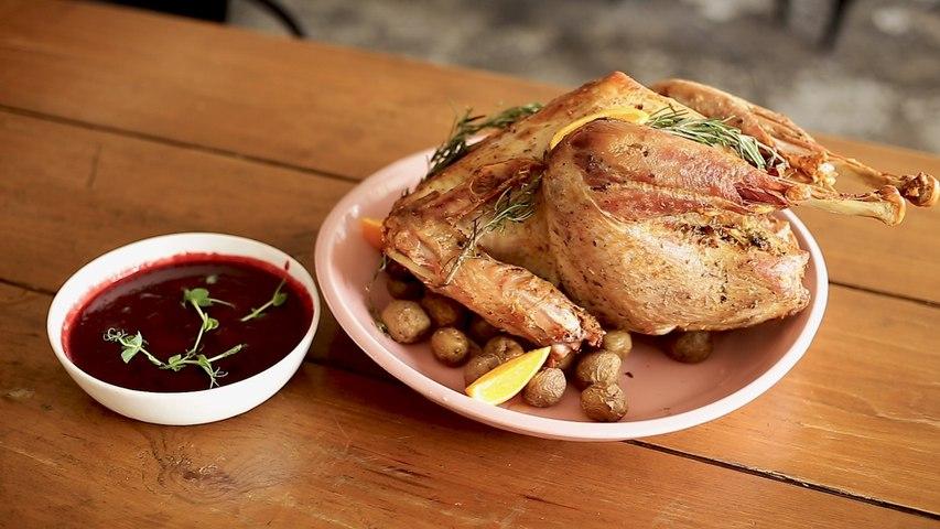 Christmas Recipe – Roast Turkey with Cranberry Sauce