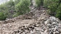 À La Grave (Hautes-Alpes), des coulées de boue coupent la circulation de la route départementale