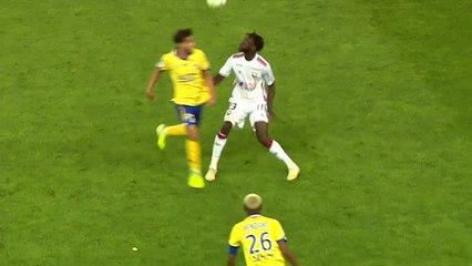 Le geste technique de Herman Moussaki lors de FC Sochaux / SMCaen
