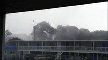 Quand une tempête emporte le toit d'un immeuble
