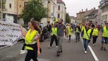 Les gilets jaunes de Pontarlier et Besançon manifestent à Pontarlier