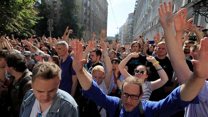 Mosca: raffica di arresti tra gli attivisti dell'opposizione. Oltre 600 i fermi