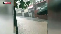 Espagne : les rues de Barcelone inondées par des pluies torrentielles