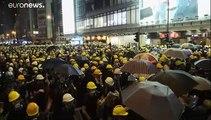 Caos nelle strade di Hong Kong. Proseguono le proteste e gli scontri
