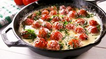 This Cheesy Tomato Skillet Is UNREAL