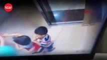 Asansörde dehşet anları!; Abla kardeşini ölümden böyle kurtardı