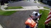 Un enfant se cache dans une poubelle remplie de couches de bébé pour échapper à un policier