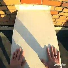 Un freerunner manque de tomber d'un toit