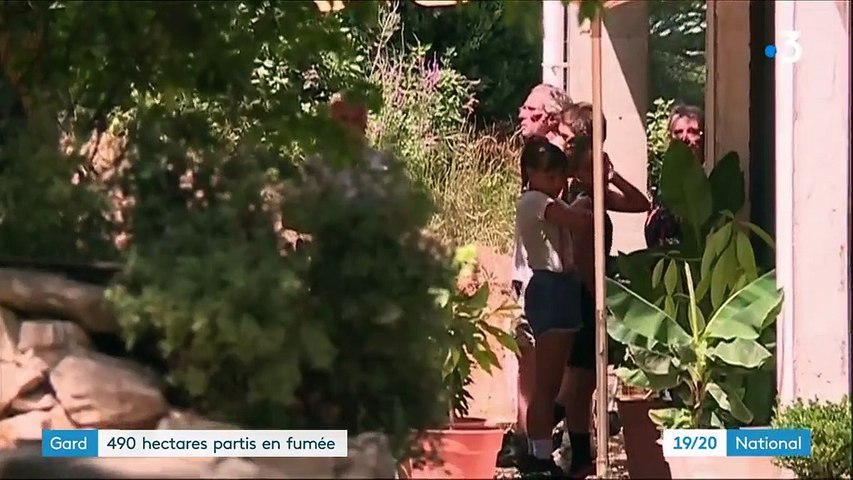Incendie dans le Gard : des centaines de pompiers mobilisées depuis 24 heures