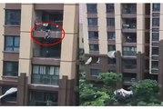 لحظة سقوط طفل من الطابق الـ 6 وإنقاذه بطريقة رائعة