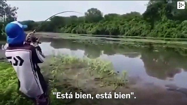 A huge crocodile surprises two fishermen in Australia