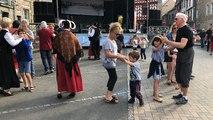 Initiation à la danse bretonne aux Régalades