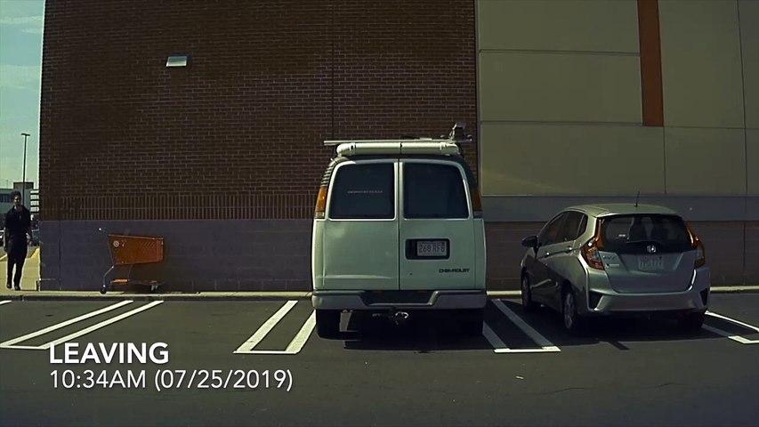 Les caméras de cet Tesla filme un homme qui met un coup de clé à la voiture ! Flag