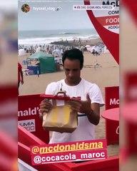 Depuis la Fun Zone @CocaColaMorocco il se fait livrer son @McDonald's par drone