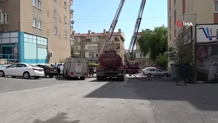 Niğde'de 7 Katlı Binanın Çatı Katında Yangın