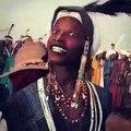 Impressionnant ! Cette tradition Fulani qui prépare le mariage des jeunes au Niger est fascinante. A absolument voir !