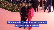 El elenco de Queer Eye introduce a Harry Styles a Grindr