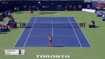 Defending champion Halep beats Kuznetsova in the Rogers Cup