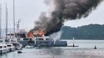 L'incendie d'un yacht de luxe filmé en Thaïlande