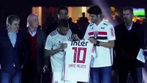 (Subtitled) 'They will not regret hiring me' Dani Alves gets stadium welcome at Sao Paulo