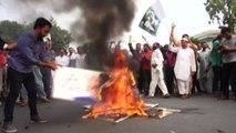Kashmir indiano, sporadiche proteste e strade deserte: un morto
