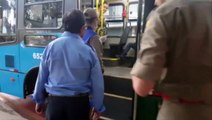 Jovem é atingido por retrovisor de ônibus enquanto esperava por embarque