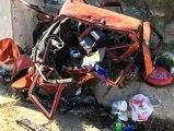 Yol kenarında mola veren aileye otomobil çarptı: 1 ölü 10 yaralı